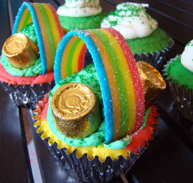 LuCky CuppY CaKes